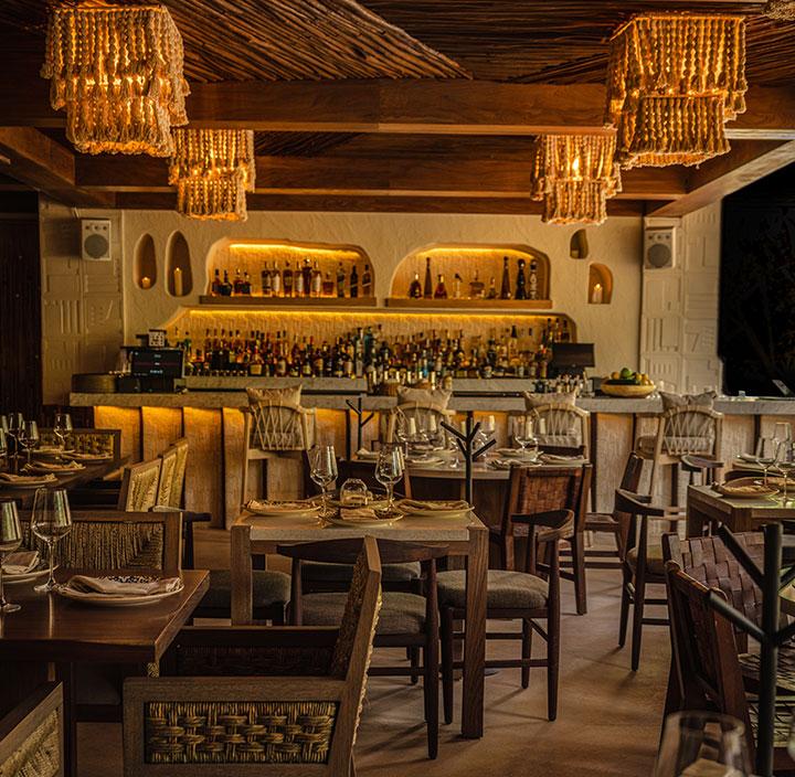 Restaurant Night Ilios